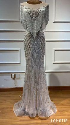 Luxurious Silver Sleeveless crystals Beaded Tassel Evening G… – Dresses Ideas Evening Gowns Couture, Prom Dress Couture, Evening Dresses, Silver Evening Gowns, Classy Evening Gowns, Silver Gown, Afternoon Dresses, Flapper Dresses, African Fashion Dresses