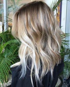 blond foncé cendré, carré asymétrique