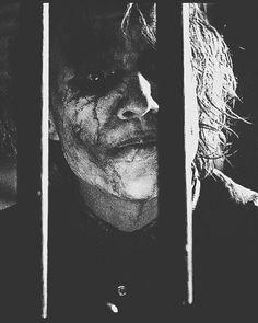 -Pin by Hicrete Dilmen Joker Images, Joker Pics, Joker Art, Joker Batman, Batman Art, Batman Robin, Joker Dark Knight, The Dark Knight Trilogy, Joker Poster