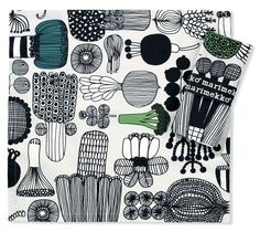 Marimekko 2 Cotton Napkins Puutarhurin Parhaat £19.00 - Kitchen & Dining - Tablecloths, Placemats and Coasters ILLUSTRATED LIVING