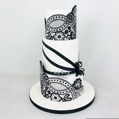 Wedding black white - cake by Cindy Sauvage