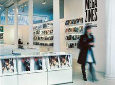 USM Haller Prospektauslageregale für Modehandel und Werbung