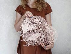 Inspirada pela natureza, Eugenia Zoloto cria impressionantes esculturas de papel repletas de delicadeza - Follow the Colours