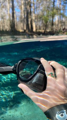 Emerald Sea Wave Ring                – Madison Ashley