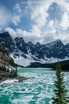 Moraine Lake - Banff National Park | Travel tips and ideas for Calgary and Alberta | Canada travel | Canadian Rockies | travel in the mountains | travel inspiration