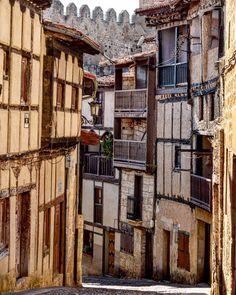 Frias, Burgos España. Villas, Ebro, France, Spain Travel, Architecture, Places To Visit, Around The Worlds, The Originals, Instagram Posts