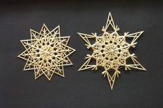 Strohsterne-Set                                                                                                                                                                                 Mehr Christmas Projects, Christmas Time, Vintage Christmas, Christmas Ideas, Straw Weaving, Basket Weaving, Pagan Yule, Parol, Winter Project