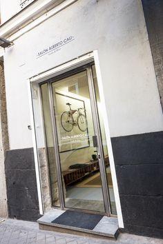 ¿DÓNDE? Salón Alberto Cali (Madrid) Salón Alberto Cali C/Almirante, 22 (Madrid) 915 31 20 41  www.salonalbertocali.com ¿Dónde? | Galería de fotos 22 de 22 | AD
