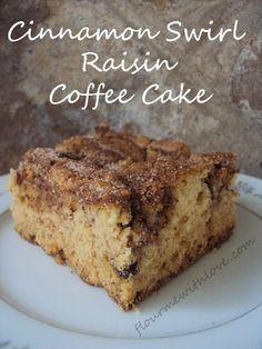 A moist & delicious cinnamon swirl raisin coffee cake! I must admit, I . - Asst cakes n coffee cakes - Earthquake Cake Mini Cakes, Cupcake Cakes, Cupcakes, Bundt Cakes, Cinnamon Cake, Cinnamon Recipes, Raisin Recipes, Pancakes Cinnamon, Cinnamon Coffee