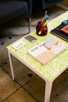 Stickable wallpaper on coffee table