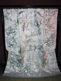 TRADITIONAL-JAPANESE-WEDDING-KIMONO-UCHIKAKE-WALL-HANGING-ART-DECOR-Silver-Crane