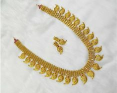 Bridal Bangles, Gold Bangles, Gold Jewellery Design, Gold Jewelry, India Jewelry, Mango Necklace, Gold Pendent, Diamond Necklace Set, Hanging Earrings