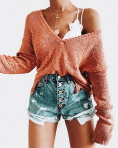 Heiße Mama High Rise Distressed Denim Shorts - Outfit ideen - Still Cute Casual Outfits, Cute Summer Outfits, Spring Outfits, Denim Shorts Outfit Summer, Jean Shorts, Cute Outfits With Shorts, Jumper Shorts, Modest Shorts, Ootd Spring