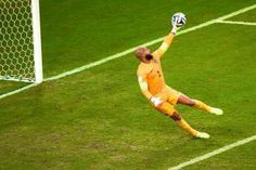Tim Howard Makes Brilliant Save for USA vs. Portugal at the World Cup | Bleacher Report
