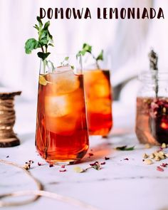Started cleaning up the festive mess, made Negronis instead. The Negroni cocktail (Gin, Campari,Vermouth) came from Italy. It's currently enjoying the Caribbean weather and thinks it might stick around a while. The Caribbean Gin Co. Iced Tea Cocktails, Non Alcoholic Drinks, Spring Cocktails, Iced Tea Recipes, Cocktail Recipes, Best Iced Tea Recipe, Nye Recipes, Long Island Iced Tea Recipe, Brunch Recipes