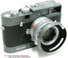 Side view of the combination of a Leica Hammertone MP set with lens and macthing lens hood Picture by Bosung Korea
