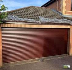 Garolla's garage roller shutters are effortlessly stylish. Garage Roller Doors for sale from Garolla come in a variety of different colours. Click the link to see all of our garage doors. Roller Doors, Roller Shutters, Door Design, House Design, Garage Door Installation, Home Exterior Makeover, Modern Design, Garage Doors, Colours