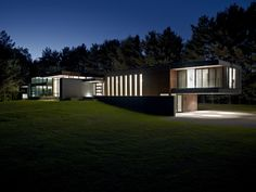 22-clearviewresidence-contemporary-modern-home-design-jonathan-savoie_