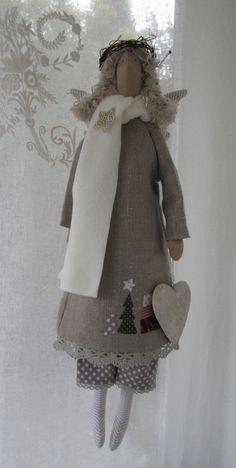 Weihnachtsdeko - Großer Weihnachts- Engel im Landhausstil - ein Designerstück von Feinerlei bei DaWanda