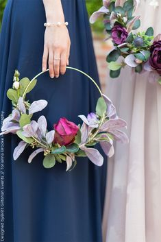 Luxury wedding - Create your very own elegant, luxury flower hoop wreath for you. Luxury wedding – Create your very own elegant, luxury flower hoop wreath for you… Luxury wedding – Create your very own elegant, luxury flower hoop wreath for your wedding Wedding Table Centerpieces, Wedding Flower Arrangements, Floral Arrangements, Flower Centrepieces, Winter Centerpieces, Diy Wedding Flowers, Wedding Bouquets, Wedding Ideas, Diy Flowers