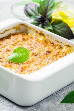 Macaroni And Cheese, Ethnic Recipes, Food, Zucchini Cobbler, Souffle Dish, Food Food, Simple, Mac And Cheese, Essen