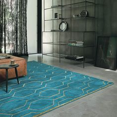 Hand-tufted with the finest Wool and Viscose yarn to create a luxuriously soft to touch Wedgwood rug.