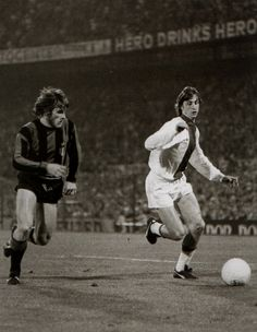 Ajax - Internazionale final EC I 1972: Cruijff-dribbles with his markman/shadow during that game, Oriali