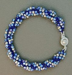 Marillyn Gardner's easy spiral bracelet for beginners ~ Seed Bead Tutorials