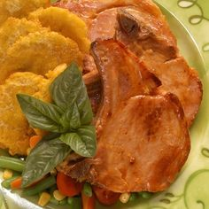 Chuletas a la jardinera - Pork Chops with Vegetables [In Spanish]