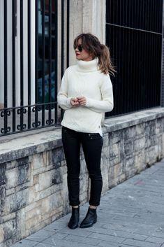 samivida-simplicity-mondays-zipped-pants-knitted-turtleneck-sweater-desires-ponytail-04