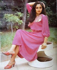"1 Likes, 1 Comments - muvyz.com (@muvyz) on Instagram: ""#Jayapradha ❤️ #80s #Bollywood #beauty #muvyz111817 #GoodMorningWorld #muvyz #instagood #instadaily…"""