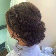 hair inspiration updo Absolutely love this intricate fishtail updo! Perfect for our glowing mghairandmakeup brides! Quince Hairstyles, Winter Hairstyles, Up Hairstyles, Braided Hairstyles, 1950s Hairstyles, Protective Hairstyles, Hairdos, Bridal Hair Updo, Wedding Hair And Makeup