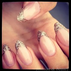 Don't normally like this nail shape but I like it in this case
