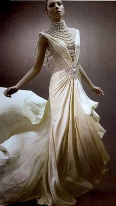 An exclusive bridal collection of 1920's Art Deco style Flapper Wedding Gowns from the best online store all around the globe.