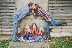 Family Pose 20 Brilliant Family Photo Ideas | Bored Daddy