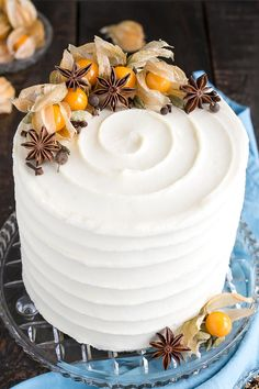 This Chai Cake is a special treat for chai tea lovers. Packed with fragrant spices and paired with a simple cream cheese frosting. Cake With Cream Cheese, Cream Cheese Frosting, Tea Cakes, Mini Cakes, Cupcakes, Cupcake Cakes, Bolo Original, Winter Torte, Cake Recipes