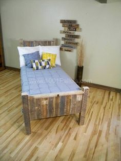 rustic-pallet-bed-with-headboard