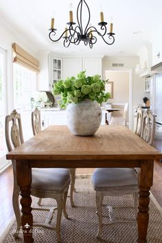 Breakfast Room Refresh with French Cafe Chairs and a Farmhouse Table! White Farmhouse Kitchens, Farmhouse Chairs, Country Farmhouse Decor, French Country Decorating, French Cafe Decor, City Farmhouse, Modern Farmhouse, Green Dining Room, Dining Room Design