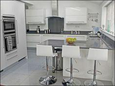Modern magas f ny sz rke ikea konyha vil gos for Kitchen design 4m x 5m