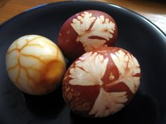 These might look like Easter eggs, but actually they're a traditional treat for Passover. We asked NYC caterer and culinary consultant Sierra Spingarn to share the family recipe for Huevos Haminados. Passover Recipes, Jewish Recipes, Passover Menu, Hatd Boiled Eggs, Hard Boiled, Jewish Celebrations, Kosher Recipes, Egg Recipes, Holiday Recipes