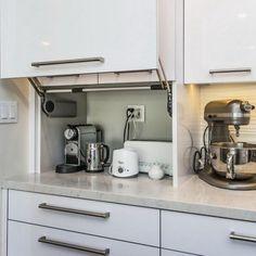 cmo organizar los pequeos electrodomsticos en la cocina speicherideen haushaltsgerte und aufbewahrung - Kleine Galeere Kche Bilder Umgestalten
