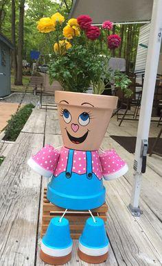 Clay Pot People - Plant in flowerpot Flower Pot Art, Clay Flower Pots, Flower Pot Crafts, Ceramic Flower Pots, Clay Pots, Flower Pot People, Clay Pot People, Clay Pot Projects, Clay Pot Crafts