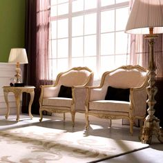 3668 Lounge Chair, Traditional Living Room Design at Cassoni