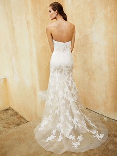 New at Uptown Bridal! Uptown Bridal & Boutique  www.uptownbrides.com Beautiful 2016, BT16-31 back view
