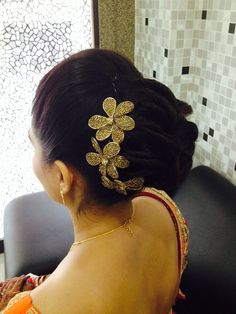 Perfect hair do for simple look