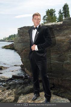 Men's Boutonniere. Grace Ormonde Wedding Style Magazine | The Luxury Wedding Source #GOWS #platinumlist #weddingstyle #graceormonde #luxuryweddings