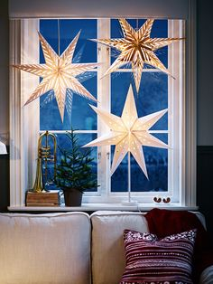 ikea weihnachten Most current Free of Charge The stars as a great idea for hanging or standing window decorations - Christmas . Strategies Theres nothing Greater than the usual ingenious IKEA Compromise of utilized area, and it is a g Hygge Christmas, Christmas Home, Christmas Holidays, Christmas Ornaments, Christmas Stars, Winter Holidays, Christmas Windows, Christmas 2018 Ideas, Scandi Christmas