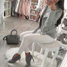 Páči sa mi to: komentáre: 15 – Zara Community ( na Ins… - Mvagustacheshire Mode Outfits, Fall Outfits, Fashion Outfits, Womens Fashion, Classy Outfits, Casual Outfits, Zara Europe, White Pants Outfit, Mode Jeans