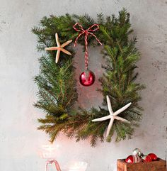 jouluinen havukranssi Christmas Flowers, Christmas Wreaths, Christmas Decorations, Xmas, Christmas Ornaments, Holiday Decor, Red, Home Decor, Lawn And Garden