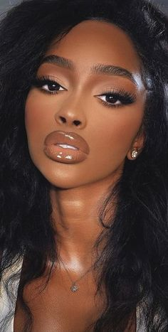 Brown Makeup, Natural Makeup Looks, Queens, Hair Styles, Beauty, Beautiful, Makeup, Hair Plait Styles, Hair Makeup